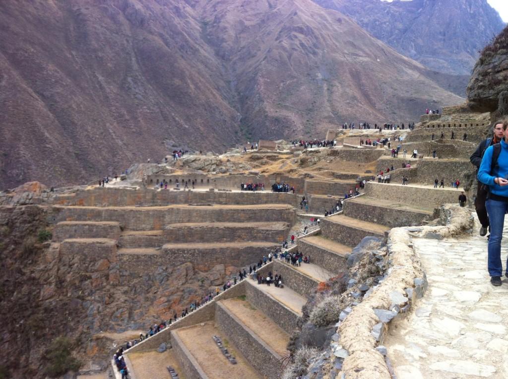 Es gibt unzählige Inka-Ruinen um Cusco. Machu Picchu ist nur die Bekannteste (und m.M. auch schönste)