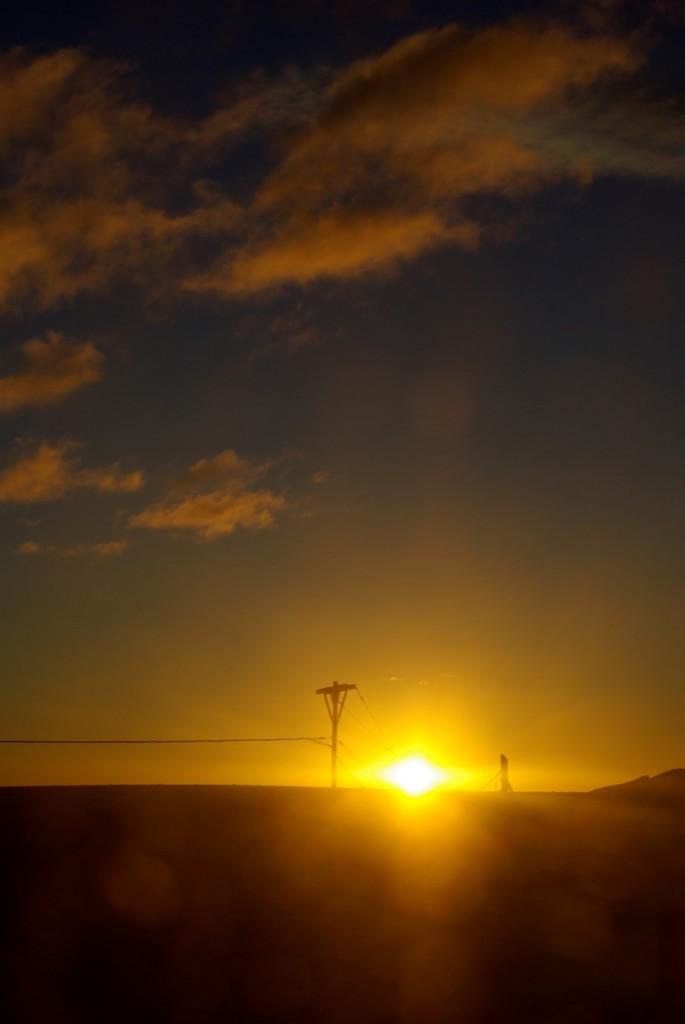Busfahrt in den Sonnenuntergang